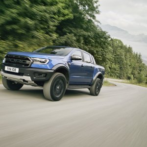 2018_FORD_RANGER_RAPTOR_WILDTRAK_Shot29_34FrontDynamic_Tarmac_05.jpg